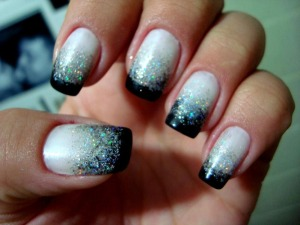 1366147436_502472007_2-Fotos-de--manicure-e-pedicure-no-conforto-de-sua-casa-unhas-decoradas-e-de-gel